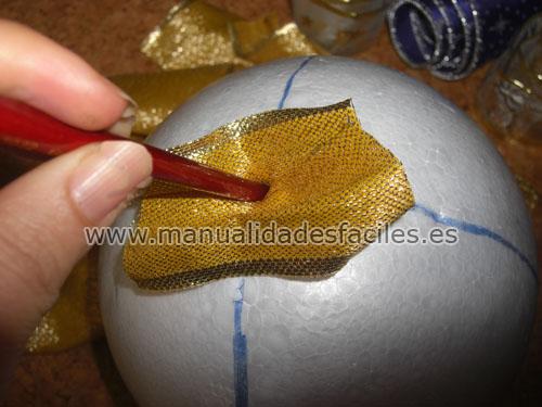 Gran bola de navidad manualidades faciles - Manualidades centros de navidad ...
