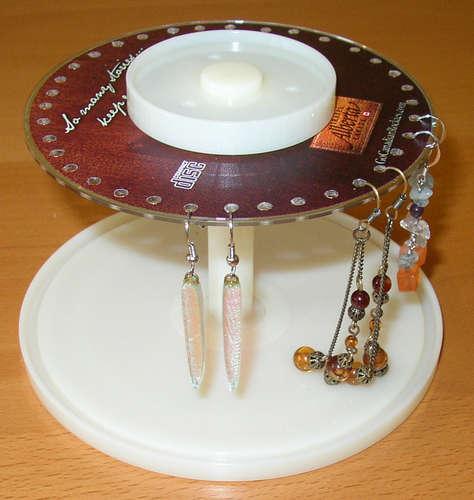 Organizador de pendientes hecho con material reciclado - Creare porta orecchini ...