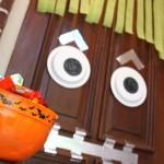 Halloween-Craft-Monster-Door-500x333[1]