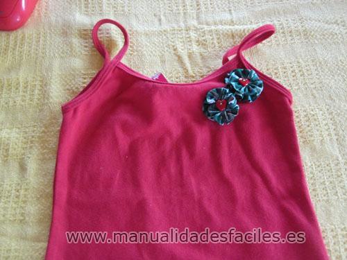 Como decorar camisetas con flores de tela manualidades - Manualidades de tela faciles ...