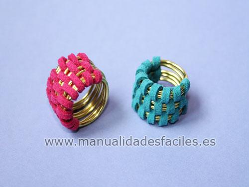 712c51fa23e5 Como hacer un anillo con alambre y cordón plano – Manualidades faciles