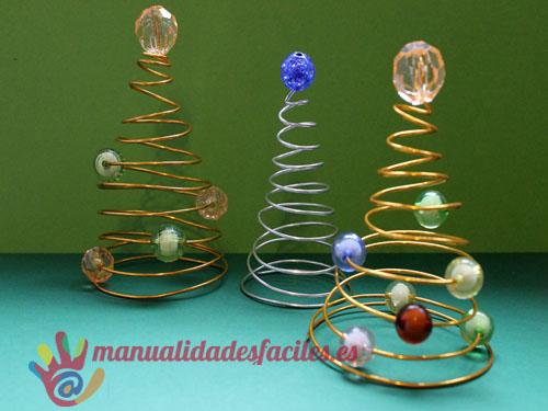 Arbol de navidad hecho con hilo m gico manualidades faciles - Arboles de navidad de manualidades ...