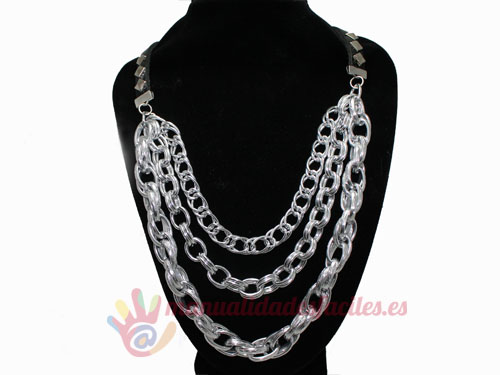 port,collar plateado