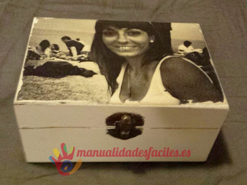 Como decorar una caja de madera manualidades faciles - Como decorar una pared con madera ...